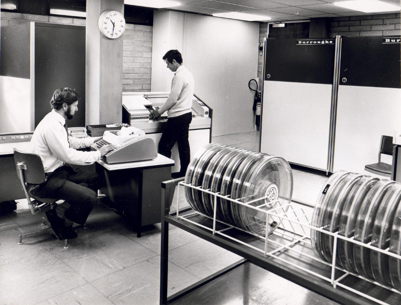 CCAE Computer Centre staff with the Burroughs B5500 Computer