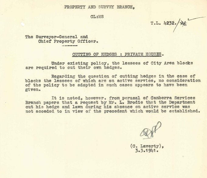 Memorandum 'Cutting of Hedges : Private Houses' by C. Laverty - 03/03/1941
