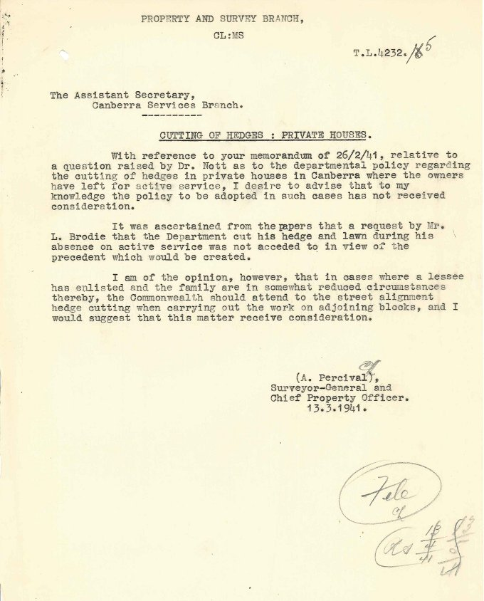 Memorandum 'Cutting of Hedges : Private Houses' by A. Percival - 13/03/1941