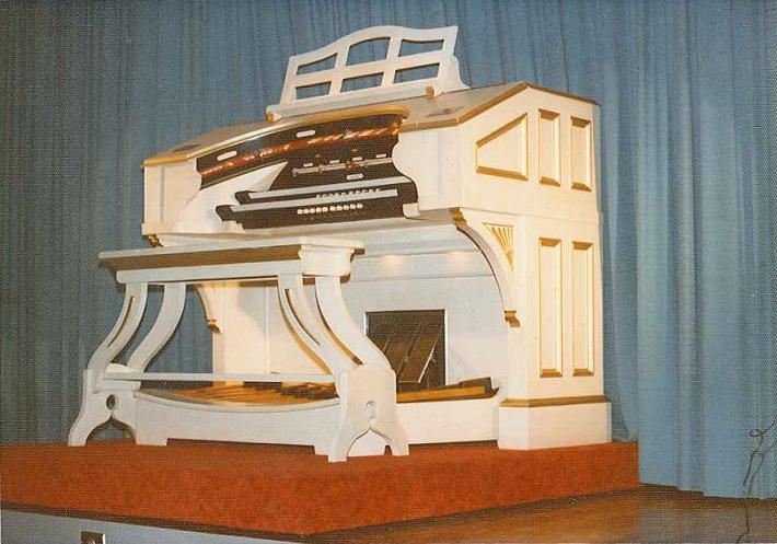 Wurlitzer Pipe Organ